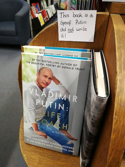 Vladimir Putin author mix-up tweet