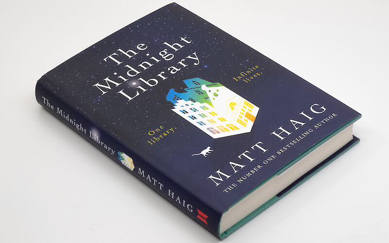 The Midnight Library by Matt Haig gallery image 1